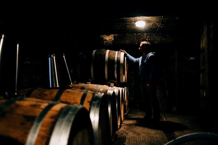 Distillerie de cognac : reportage photo par photographe pro