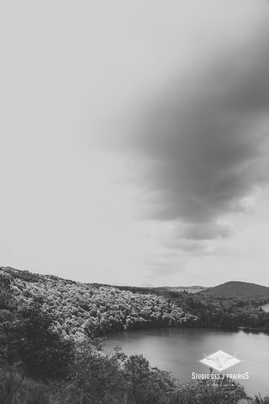 Gour de Tazenat - photographie paysages Monts Domes - ©Eve Hilaire