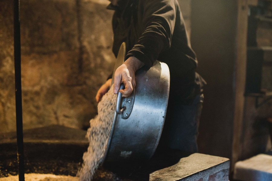 Photographies huile de noix du périgord ©Eve Lancery Hilaire, Studio des 2 Prairies