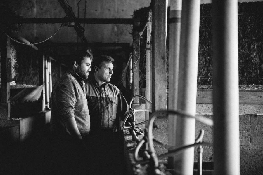 Portrait photo de paysans éleveur - ©Studio des 2 Prairies